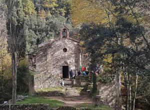 Ermita Sant Aniol de Aguja